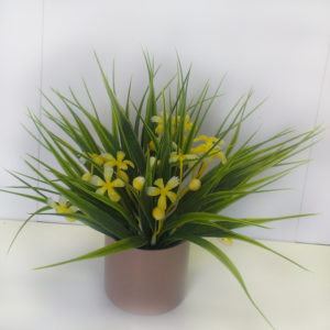Травка с цветами